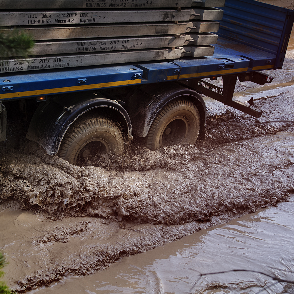 Tyres in thick mud
